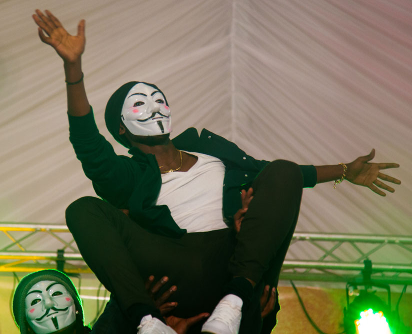 1469514968Comedian-Nkusi-emerges-on-stage-in-style