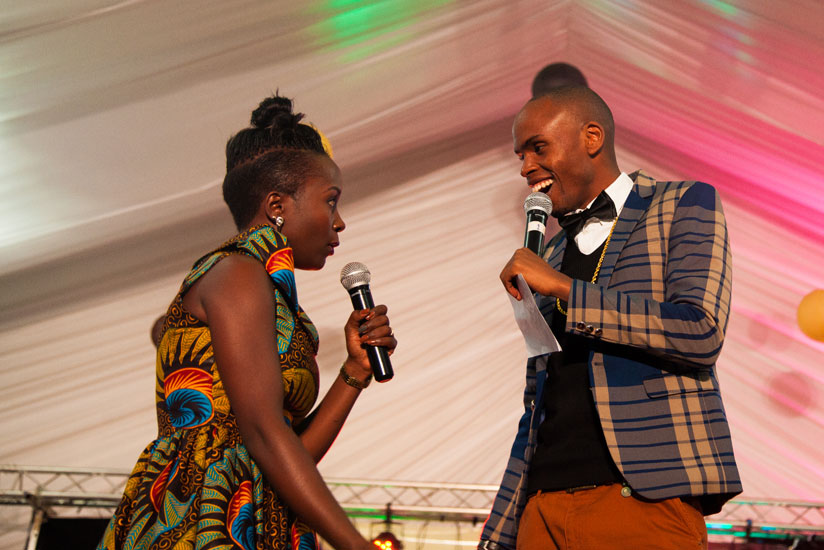1469488146Anne-Kansiime-with-her-fellow-Ugandan-comedian-Alex-Muhangi-who-was-the-host-of-the-show