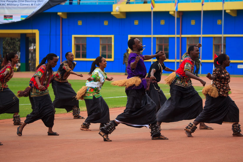 1470697456Inganzo-ngari-group-entertains-guests-with-different-cultural-dances-of-EAC