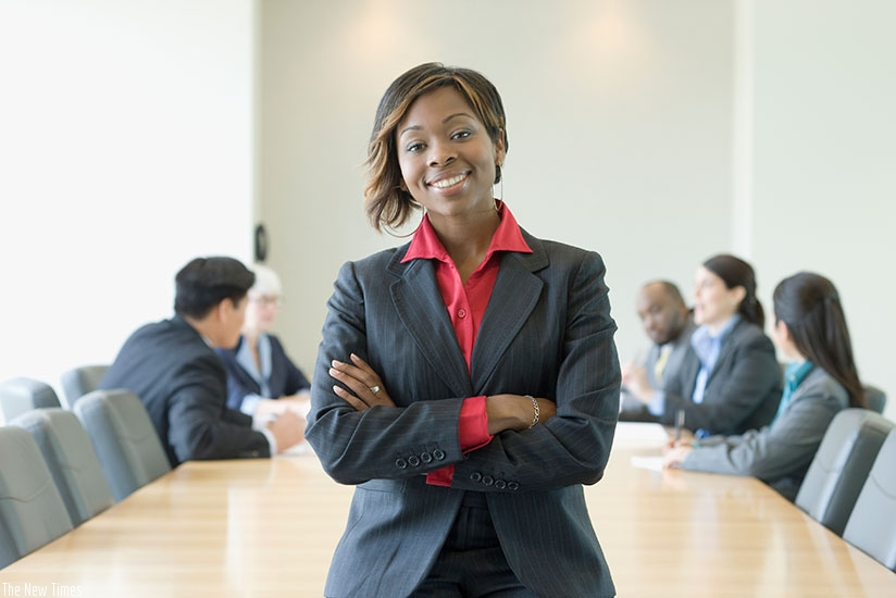 There is still a gap between men and women in the workplace. (Net photos)