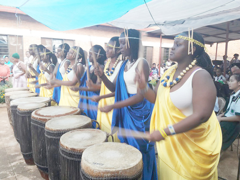1520875184Green-Hills-Top-band-female-students-clad-in-Rwandas-traditional-dresses-excited-the-crowd-with-their-amazing-drumming-skills