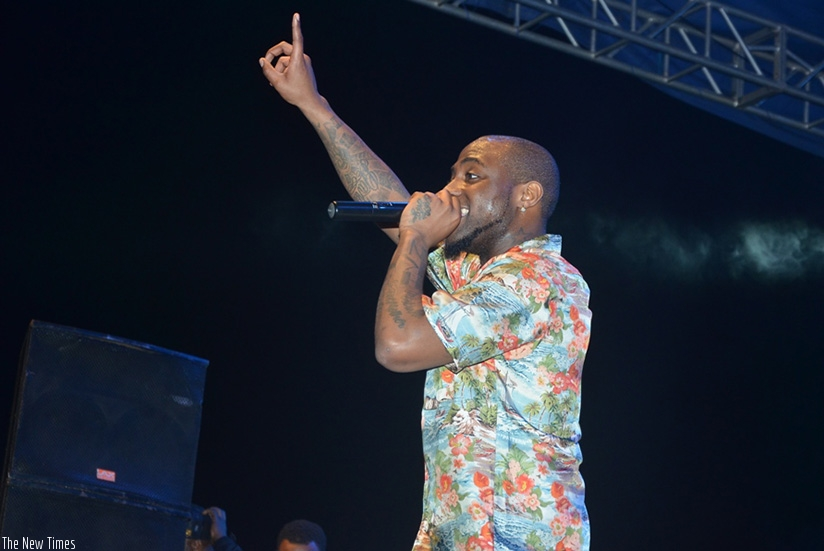 Nigerian artiste Davido delivered a thrilling performance during his '30 Billion Africa Tour' at Amahoro stadium's packing lot and left his music fans wanting more.