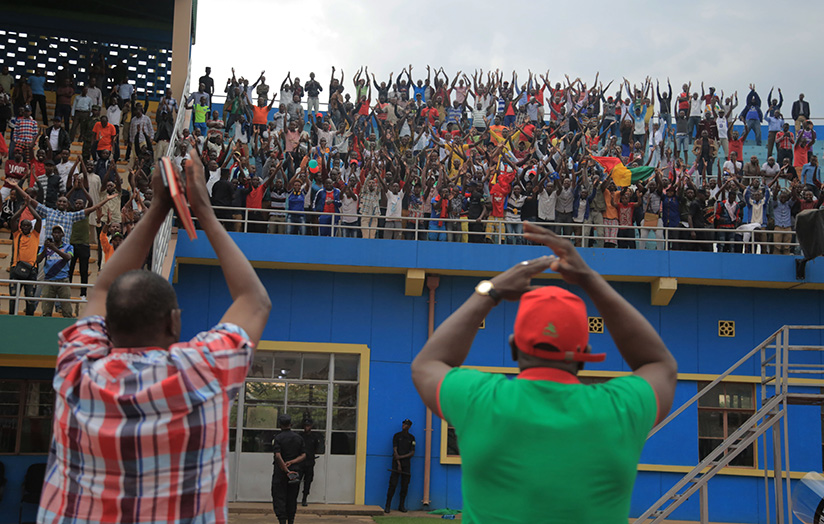 1521323347Heads-of-delegation-thank-their-supporters-after-eliminating-APR-FC-in-Kigali