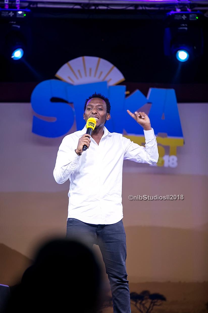 1522084394Arthur-Nkusi-made-history-on-Sunday,-as-fans-turned-out-in-their-numbers-for-his-comedy-show