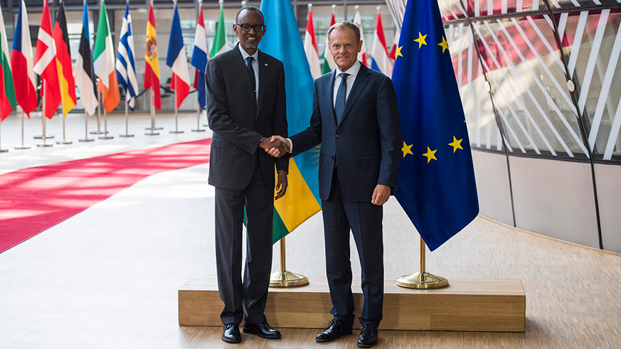 President Kagame meets with President of the European Council Donald Tusk on the sidelines of European Development Days summit. / Village Urugwiro