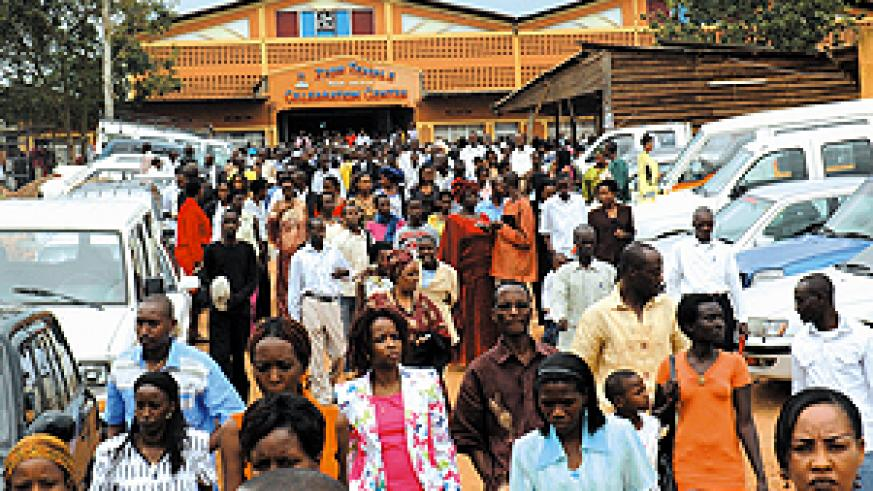 CHRISTMAS DEVOTION: Some of the thousands of believers who attended Christmas prayers at Zion Temple Kicukiro District. (Photo / J. Mbanda)