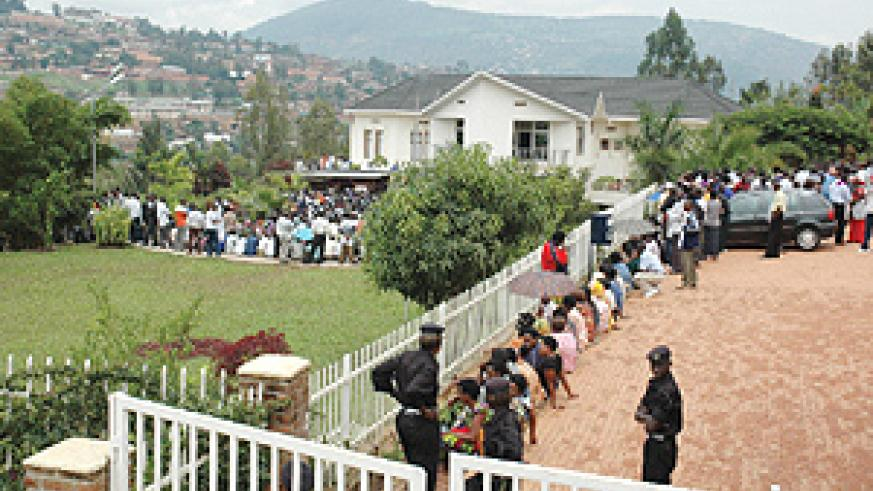 Hundreds of people thronged Kigali Memorial Centre yesterday to pay tribute to Genocide victims even as an attacker hurled a grenade at the Genocide museum, killing a policeman and injuring another the previous day.  (Photo / J. Mbanda)