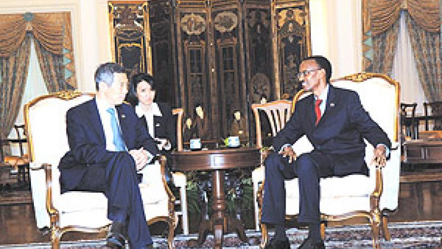 President Kagame and PM  Lee Hsien Loong during their meeting on Wednesday. (PPU photo).