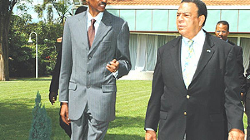 President Paul  Kagame and Ambassador Andrew Young, one of the organizers of the Sullivan Summit taking place in Arusha, Tanzania. (File photo).