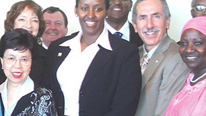 Mrs Kagame with Dr. Chan, Dr. Bernstein and Dr. Abimiku. (Photo/PPU).