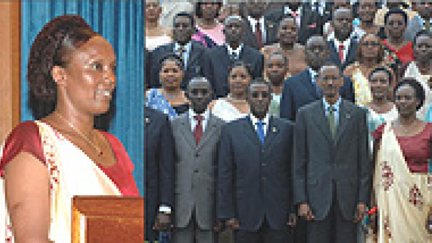 L-R:  speaker: Marie Rose Mukantabana, A cross section of Parliamentarians  pose for a photo with President Paul Kagame after swearing. (Photos G Barya).