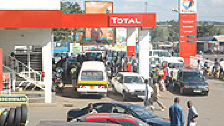 Trucks line up for at a filling station to be refuelled during the recent fuel crisis that hit the region. (File Photo).
