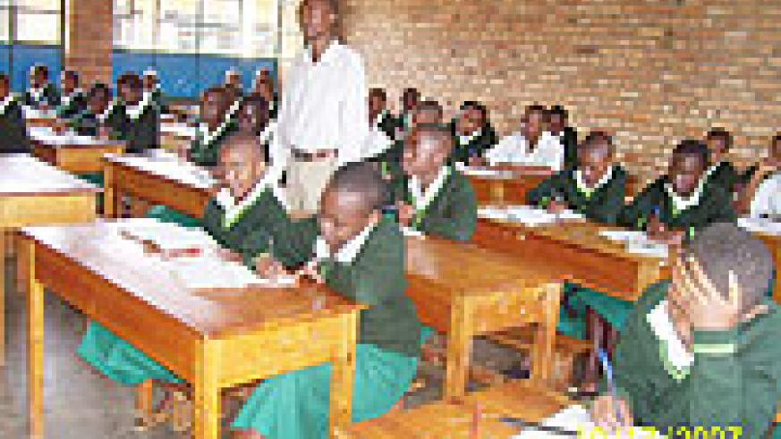 Students of GS Notre Dame du Bon Conseil undertaking their studies on the first day of the third term(Photo A.Gahene).