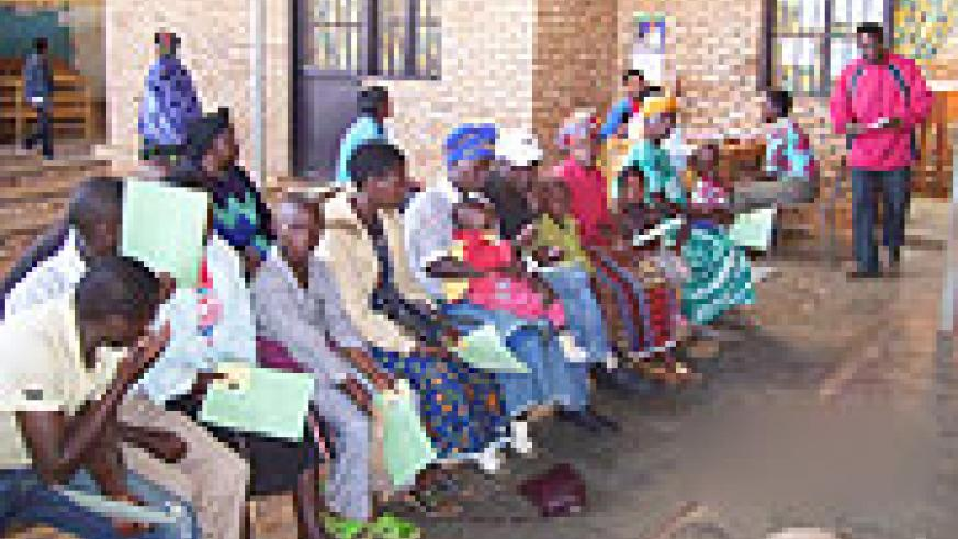Patients waiting to be attended to at Byumba health center (Photo A.Gahene).