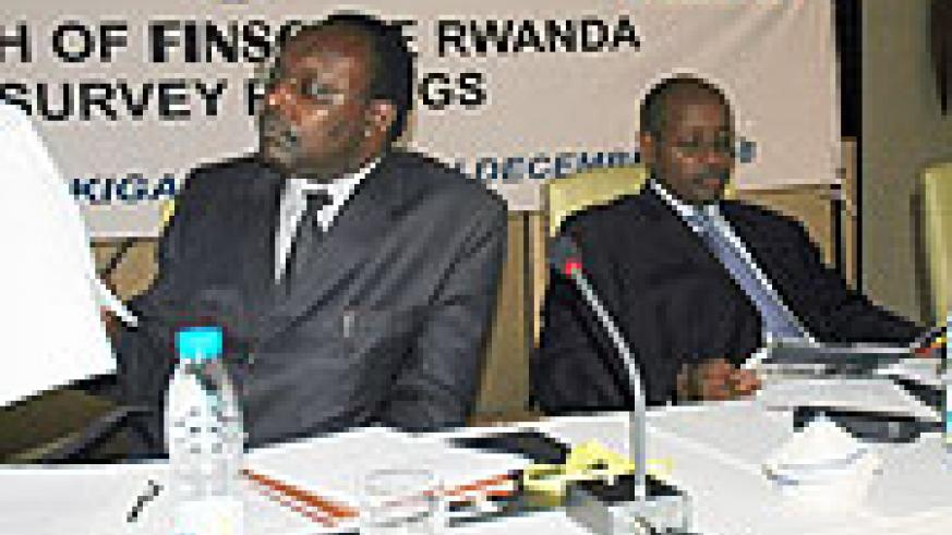 Francois Kanimba (L) and Finance Minister James Musoni. (Photo/ J. Mbanda)