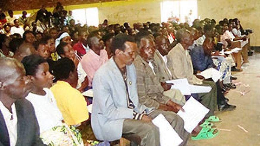 A cross section of Inyangamugayo from Nyaruguru district who received certificates of recognition for their work during Gacaca (File Photo)