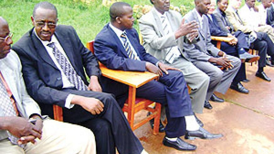 Abdone Nkotanyi (2nd left) the Director General SENJOUSMEL  with other unionists.