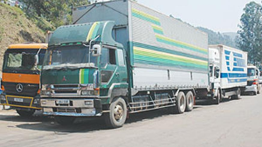 Trucks line up near the Gatuna border post. Government has announced a campaign to limit the loads of commodities carried by the trucks (File Photo)