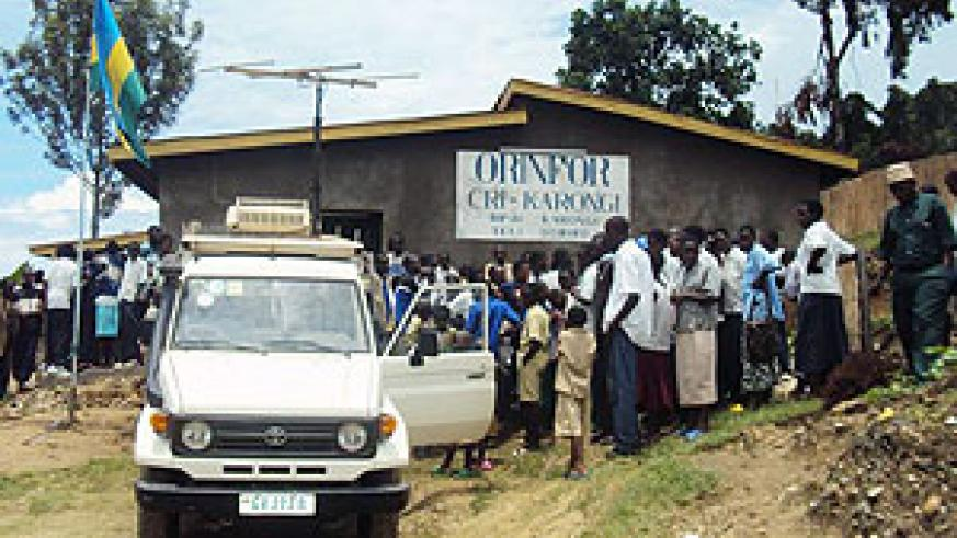 Karongi residents gather at ORINFOR offices to see some of the station's presenters (Photo: S. Nkurunziza)