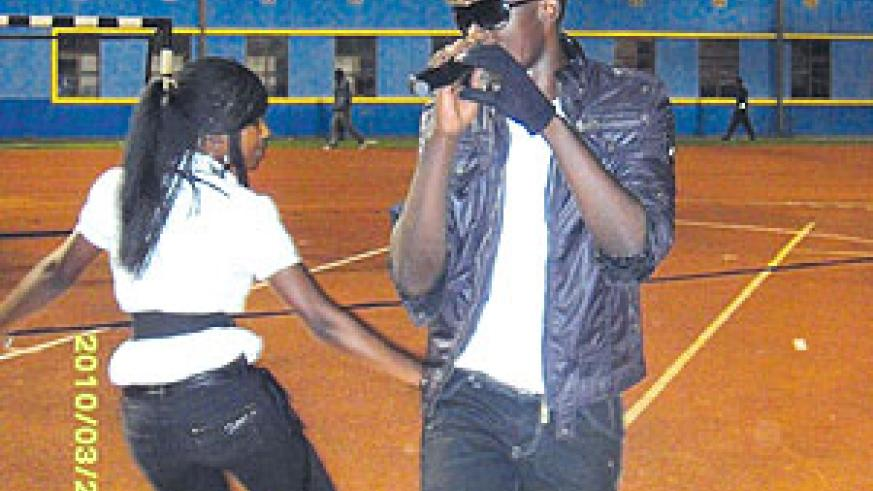 Meddy and his queen dancer rocked the crowd.