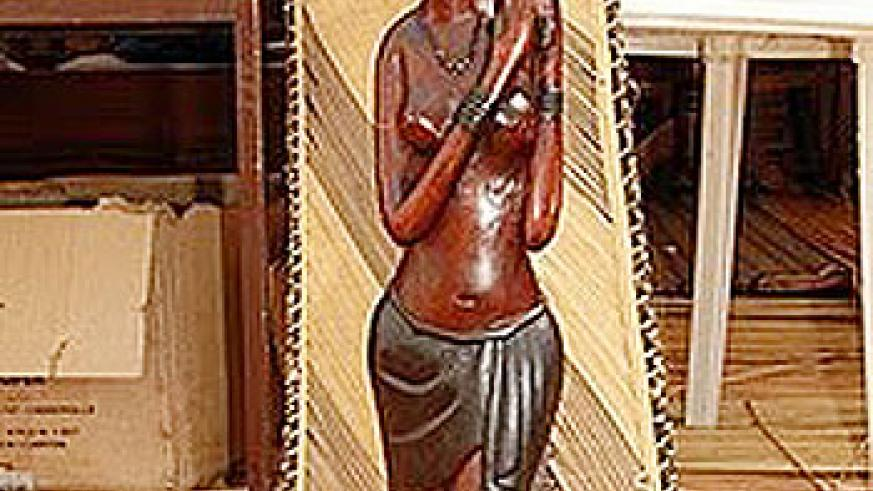 rwandan-wood-sculpture