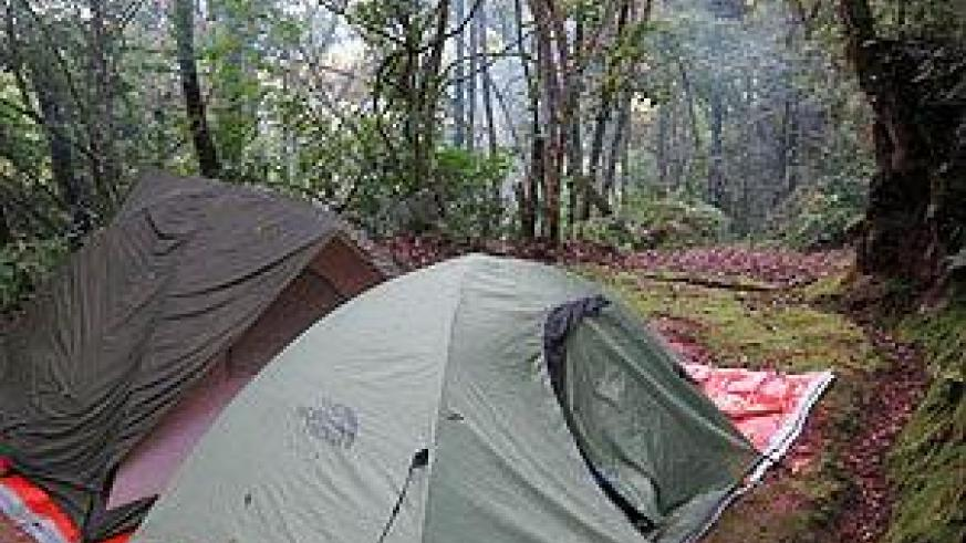 Tents are used as shelter on camping trips. Net photo.