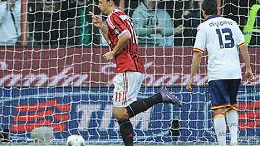 Zlatan Ibrahimovic celebrates after scoring during the Seria A game against Lecce. Net Photo.