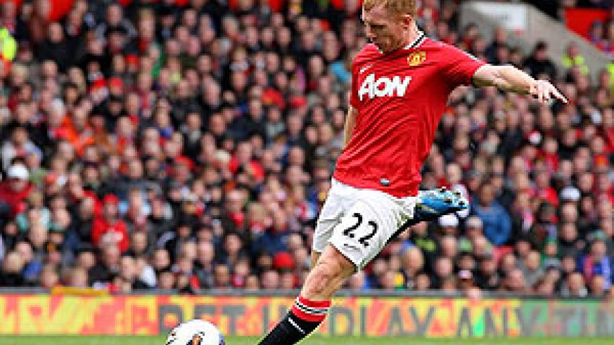 Paul Scholes fired home from long-range to put the Red Devils 2-0 up in the 68th minute. Net photo.