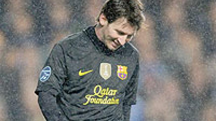 Things weren't going well for Lionel Messi at Stamford Bridge. Net photo.