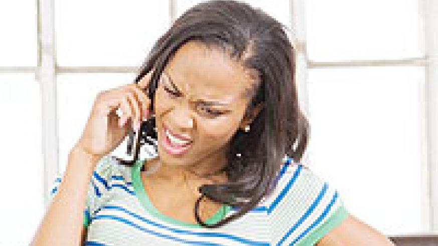 Men who are emotionally unavailable find it easier to break up with women over the phone. Net photo.