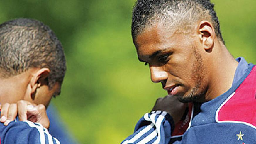 M'Vila limped off after five minutes of France's friendly against Serbia. Net photo.