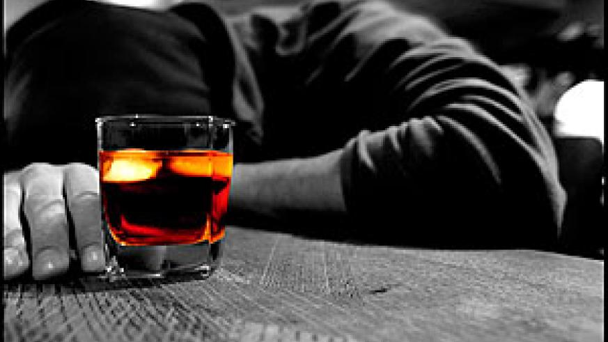 Alcohol consumption has dire psychological and physical health effects when uncontrolled. Net photo.