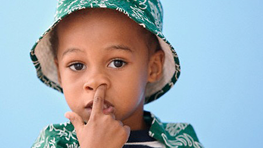 Nose picking is a very common habit in children. Net photo.