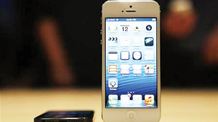 The iPhone 5 on display after its introduction during Apple Inc.'s iPhone media event in San Francisco, California September 12, 2012. Net photo.