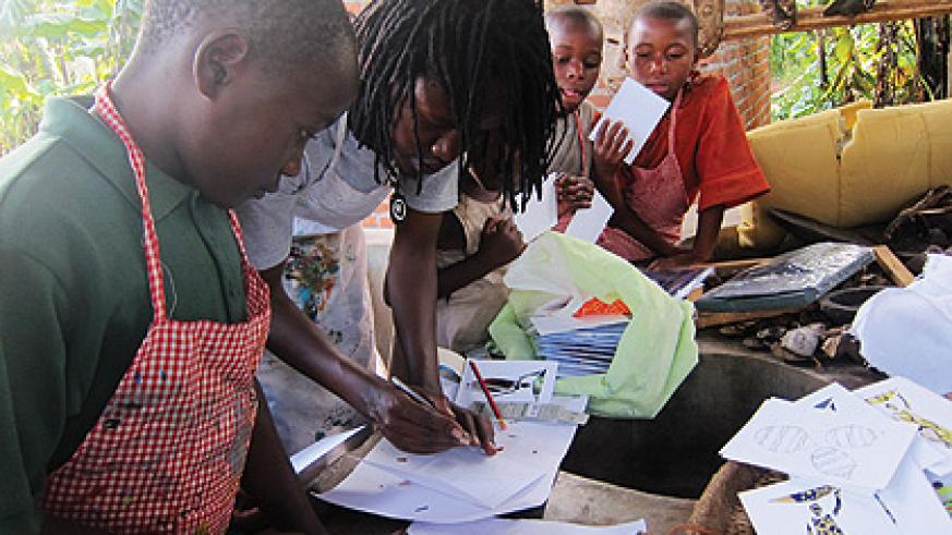 Hakizimana trains kids at his art studio in Musanze.    The New Times/Ivan Ngoboka