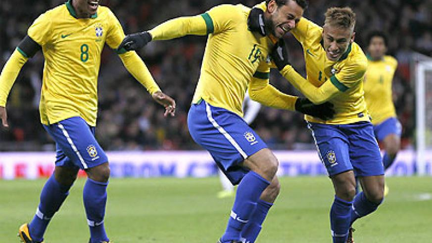Striker Neymar (right) will lead Brazil into battle on their own patch, starting on Saturday against Asian champions Japan. Net photo.