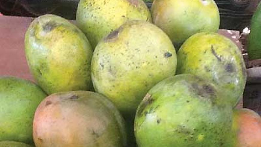 Mangoes went up by Rwf500 a kilo in Kigali Market. Onions cost Rwf700 from Rwf500a few days ago. The New Times/Séraphine Habimana