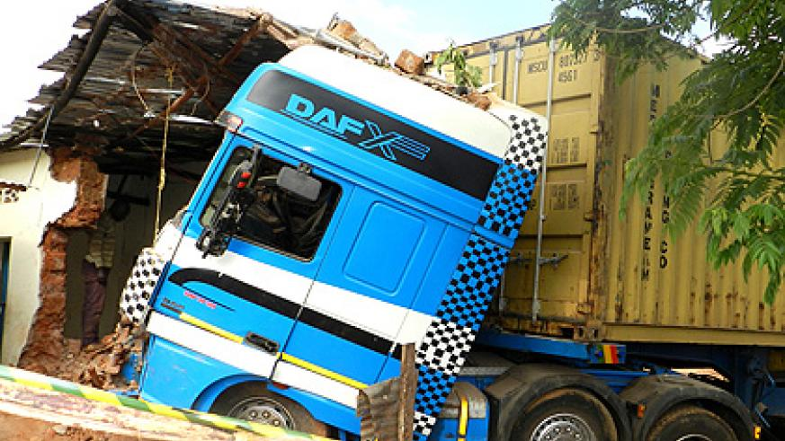 The truck that rammed into a bar in Kiniga Sector on Saturday. The New Times/ Stephen Rwembeho.