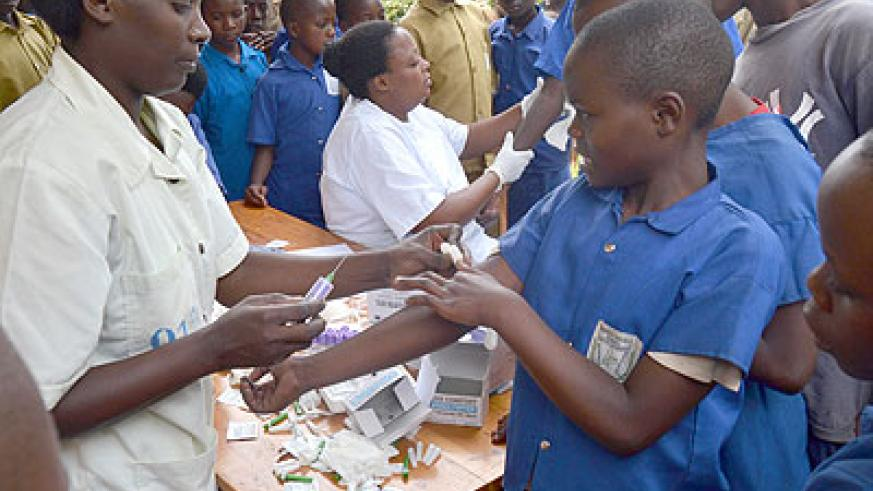 Some children gather to get tested for HIV in Rubavu District on Saturday.   Jean d'Amour Mbonyinshuti.