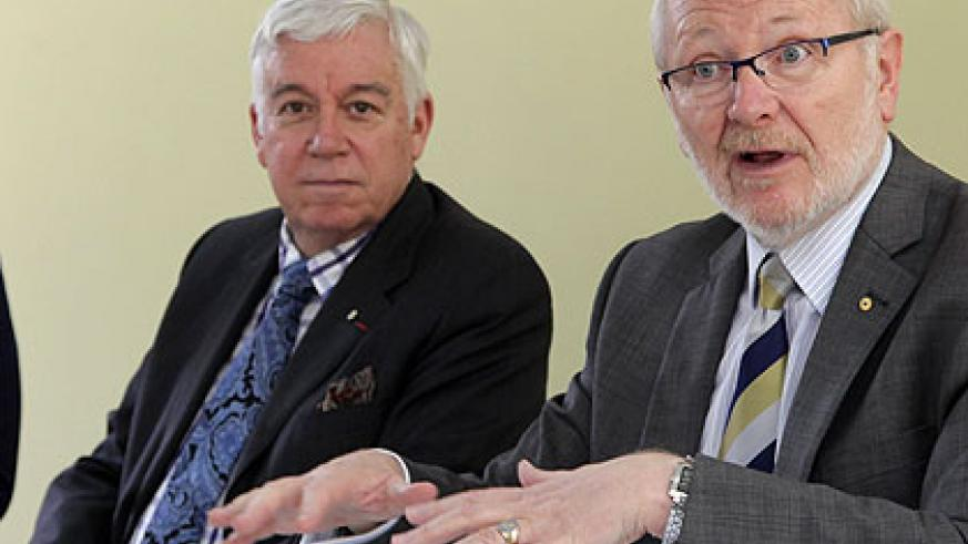 University of Rwanda Vice-Chancellor Prof. James McWha (R) and Prof. Paul Davenport, Chair of the Board of Governors (C) at the meeting on Tuesday. John Mbanda