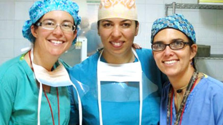 Blair (C) and Star (R) carried out a fistula surgery that our writer observed. Left is Dr Nicole. Courtesy.