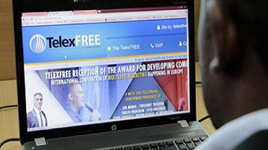 A client searches for TelexFree services on the internet. Net photo.