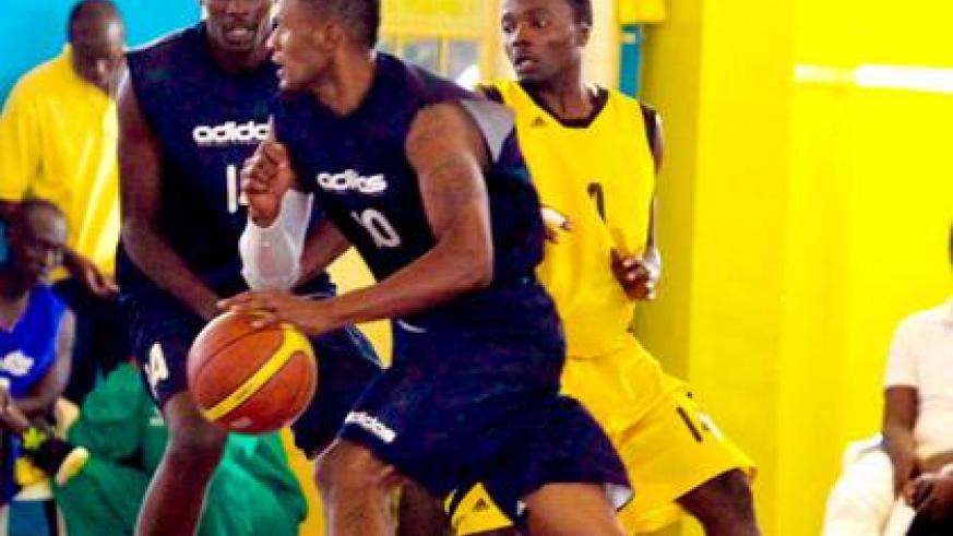 Mike Buzangu, seen here on the ball, will be hoping to lead CSK to the playoffs title over his former club, Espoir. )File photo)