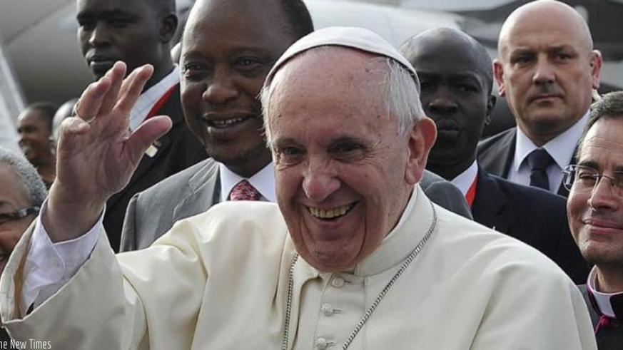Pope Francis waves to people upon his arrival  to Kenya, yesterday. (Net photo)