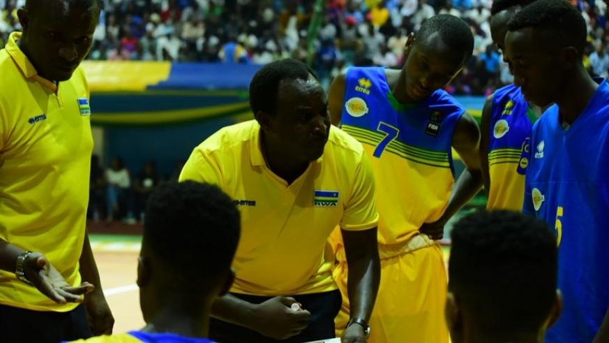 Mutokabali (C) has commended the U18 team for achieving their set target of reaching the quarter-finals. (F. Niyigena)