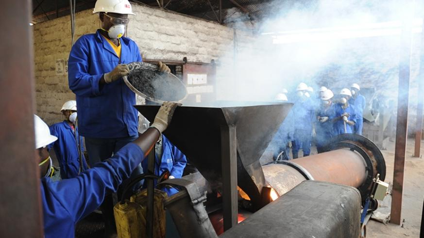 Workers at Nyakabingo mines in Rulindo district during the ore dressing process. (File)