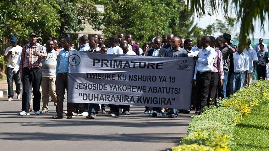 Staff of the Office of the Prime Minister in a 'Walk to Remeber' tribute for the victims of the Genocide. File.