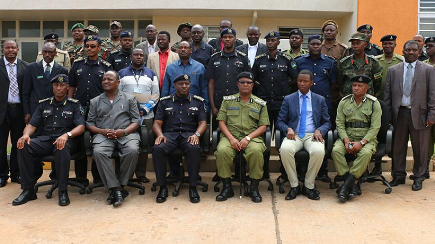 Rwanda and Tanzania police delegations in a group photo after the meeting held yesterday at Rusumo border post. / Courtesy