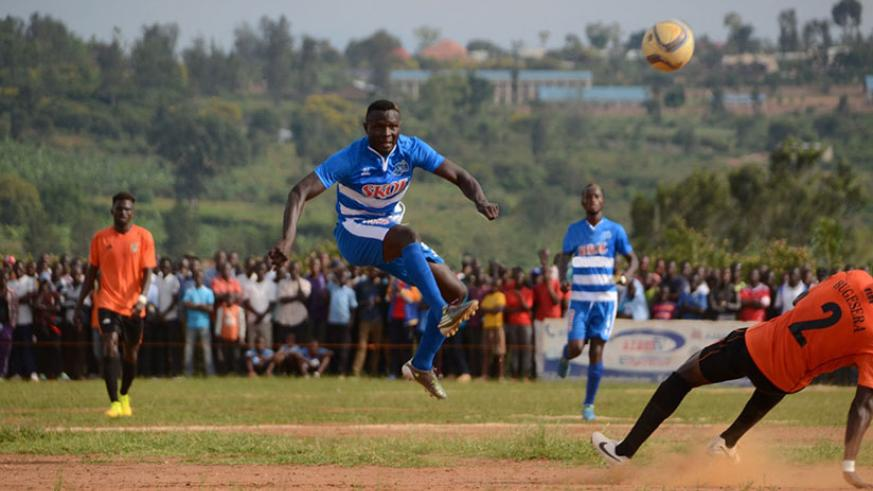 Malian striker Tidiane Koné scored the only goal as Rayon Sports beat Bugesera FC 1-0 on Wednesday to go five points clear at the top. Courtesy.