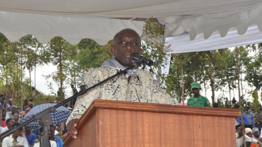 Minister Francis Kaboneka addressing the people of Rwamagana on Sunday. / Kelly Rwamapera